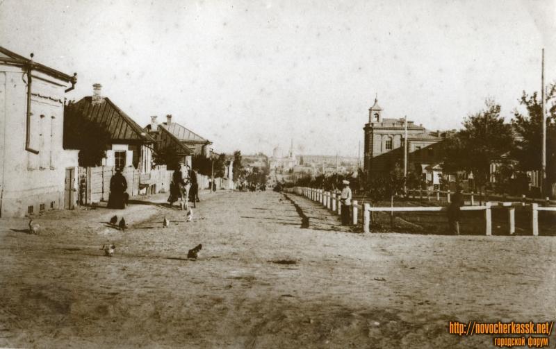Пушкинская, угол с Баклановским