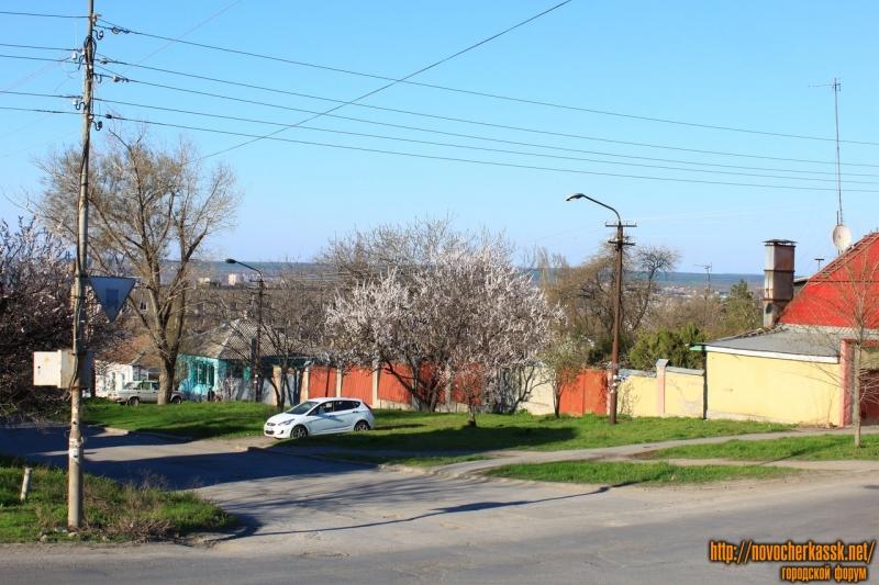 Улица Ленгника. Вид с улицы Буденновской