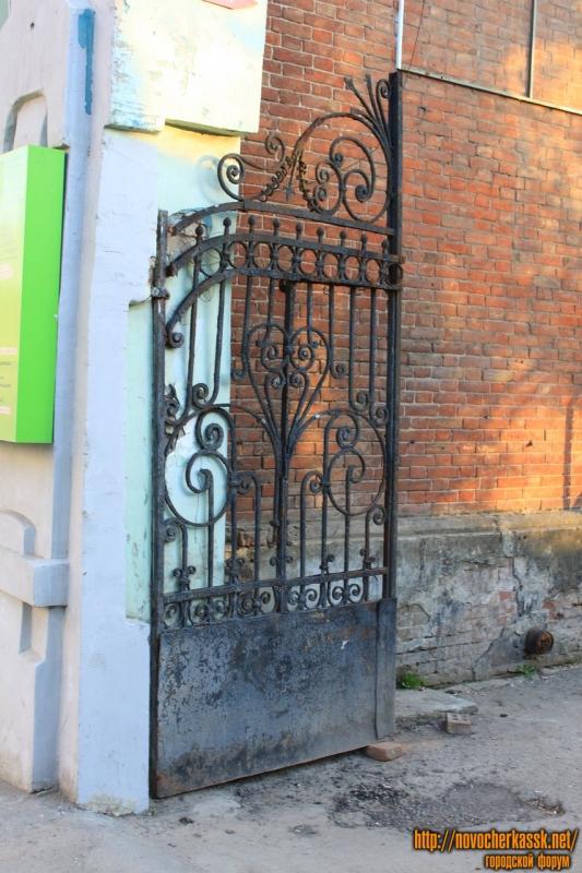 Ворота на Московской, 63