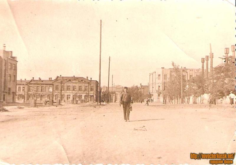 Улица Орджоникидзе, район угла Платовского и городской бани