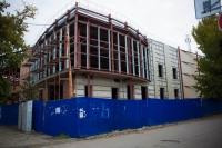 Здание будущего детского центра на углу улицы Пушкинской и проспекта Платовского