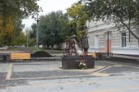 Памятник «Учительница первая моя», проспект Ермака