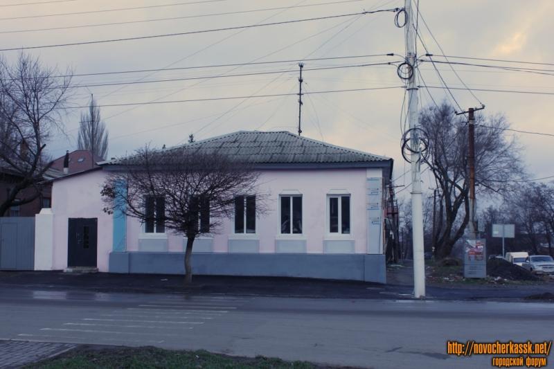 Отремонтированный дом на углу Баклановского и Ленгника