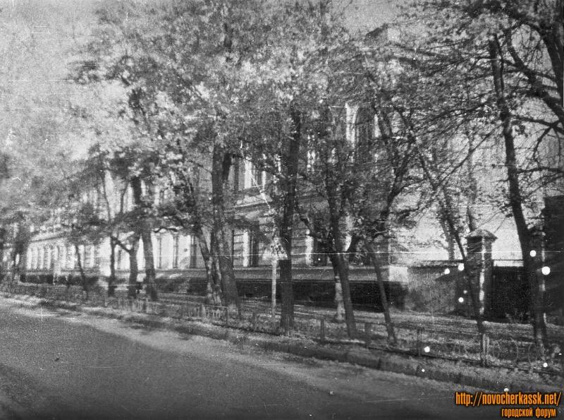 Проспект Ермака, 92. Здание школы №3