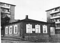 Дом, в котором жил и работал художник И. И. Крылов. Улица Крылова, 25