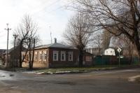 Угол улицы Михайловской, 147 и Просвещения, 140