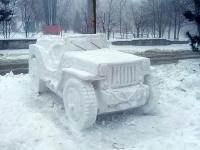 Снежные фигуры перед пожарной частью. Пушкинская
