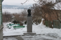 Памятник Митрофану Борисовичу Грекову. Улица Грекова, 124