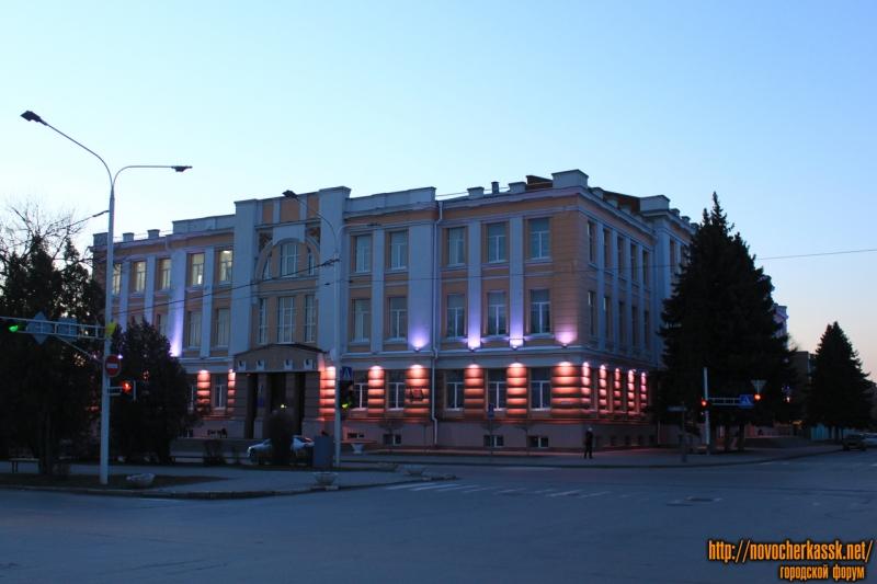Платовский, 72. Городской дом культуры