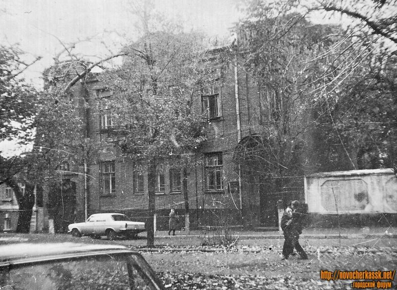 Улица Комитетская, 98. На момент съемки - здание музыкальной школы имени П. И. Чайковского