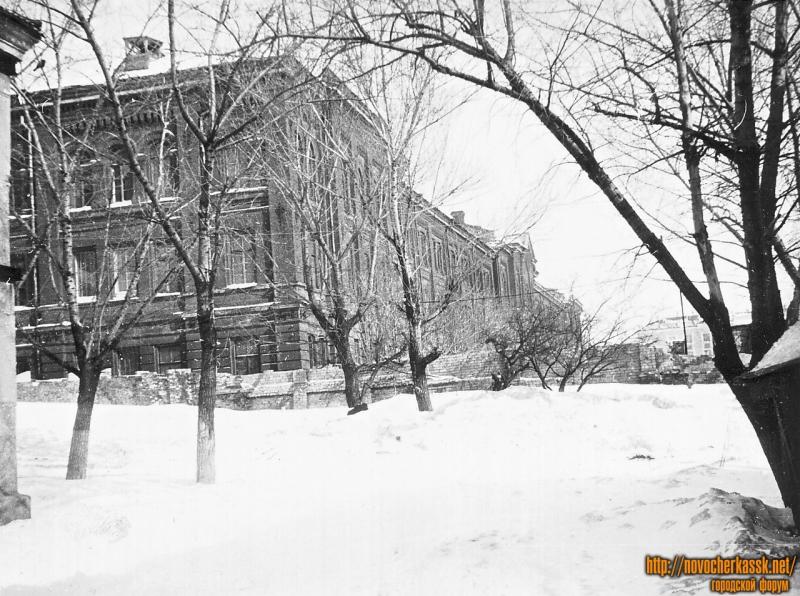 Бывшее здание Кадетского корпуса. Вид с улицы Залесской