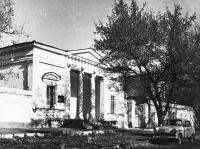 Платовский, 68. Здание военной коммендатуры (ранее - здание гауптвахты)