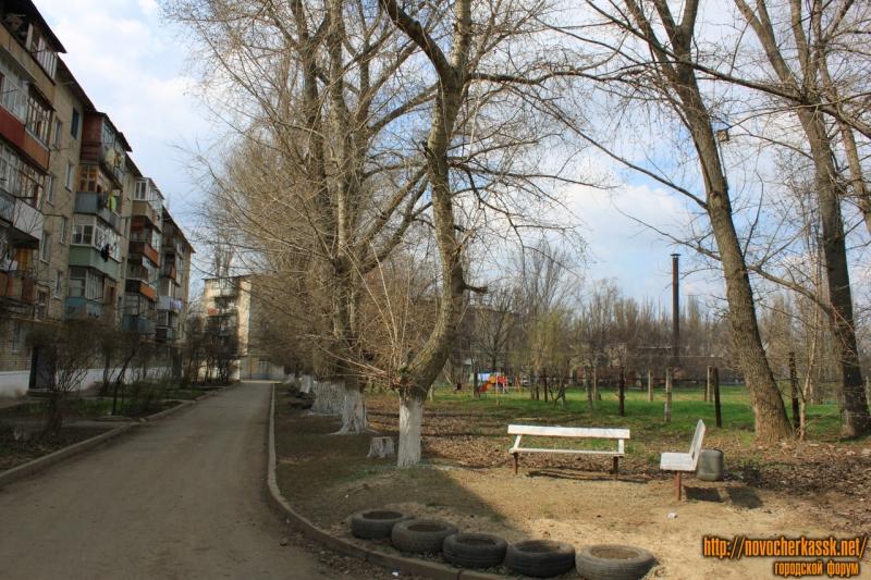 Двор Макаренко, 38