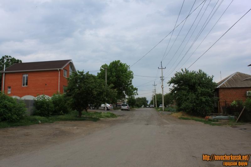 Улица Щорса. Вид с улицы Ларина на запад