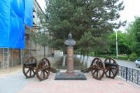 Памятник Суворову. Проспект Платовский