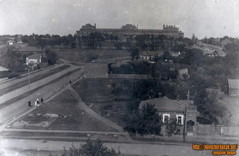 Вид на здание кадетского корпуса с угла Троицкая-Михайловская