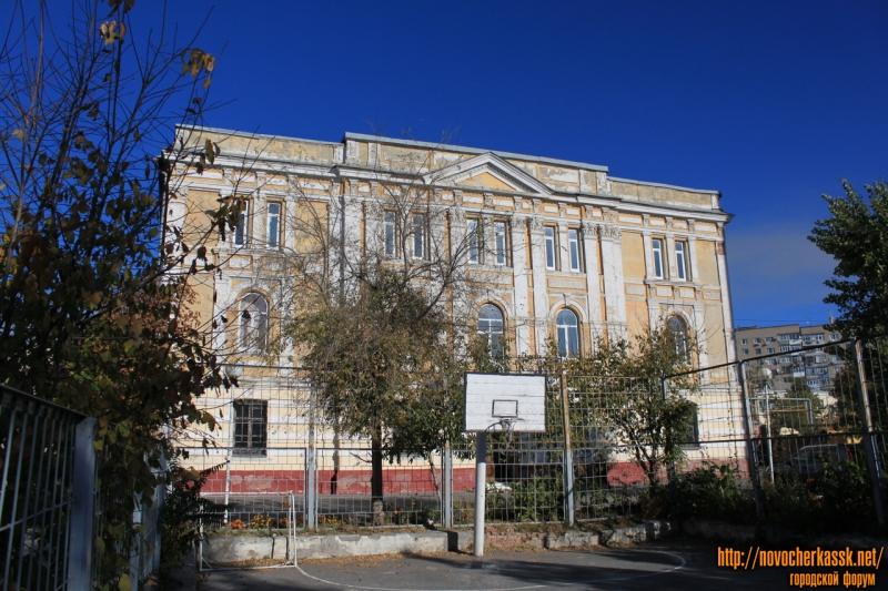 Александровская, 72. Здание автотранспортного колледжа