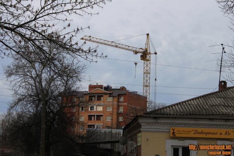 Строительство многоэтажки на Просвещения, 108. Вид с пр. Ермака
