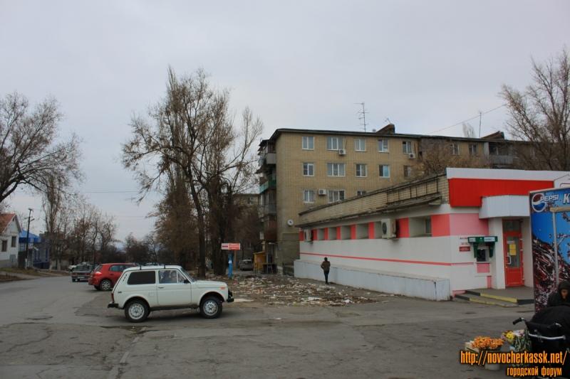 Улица Ленгника / Баклановский. Снесенный цветочный рынок