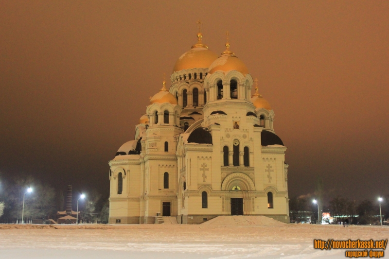 Собор в Новочеркасске зимой ночью (2014)