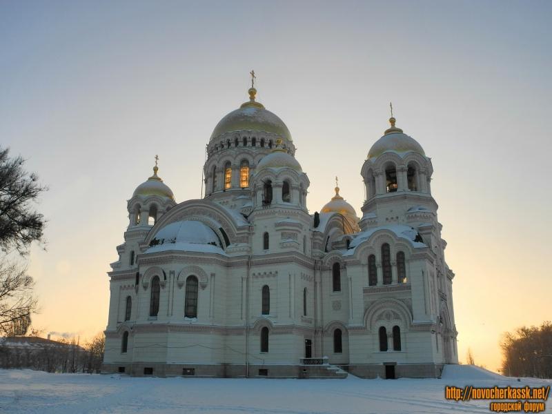 Собор в Новочеркасске на рассвете