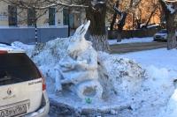 Ледяные фигуры на Пушкинской (козёл)