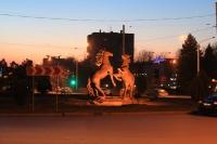 Памятник коням на Юбилейной площади