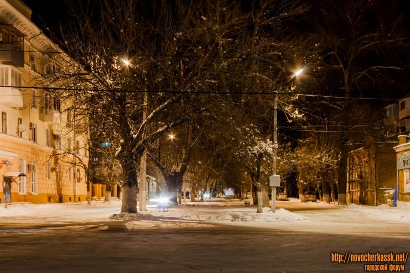 Аллея в переулке Кривопустенко