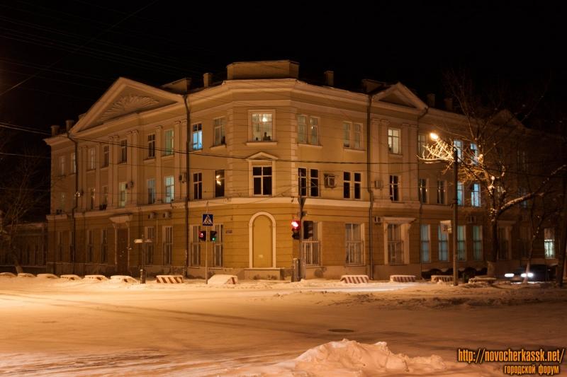 Военный госпиталь (угол Пушкинской и Платовского)
