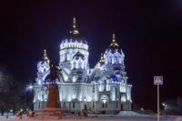 Посвеченный собор зимой