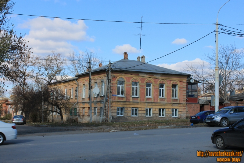 Проспект Платовский, 152 / Кирпичная улица, 78