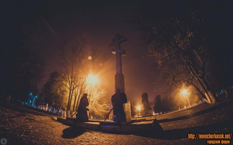 Памятник на пл. Троицкой. 14 декабря 2014 года