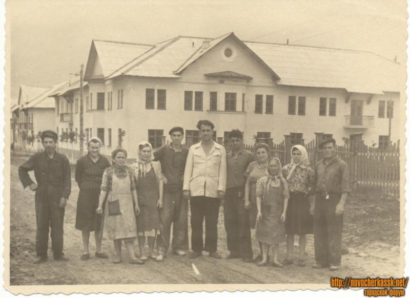 Строительство домов на улице Южной (Мацоты, 43, 41 - на заднем плане)