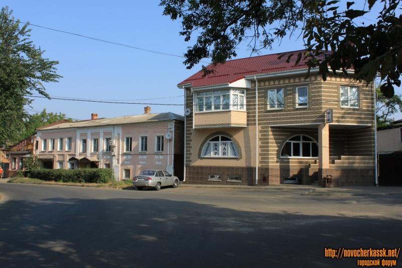 Площадь Левски, 19-20