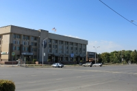 Проспект Платовский, 59Б. Здание Администрации города