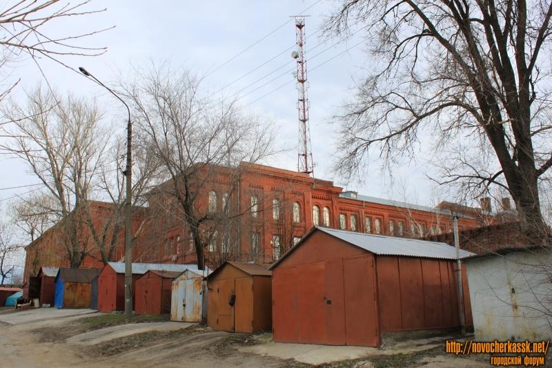 Бывшее здание Кадетского корпуса. Вид с воспитательного переулка