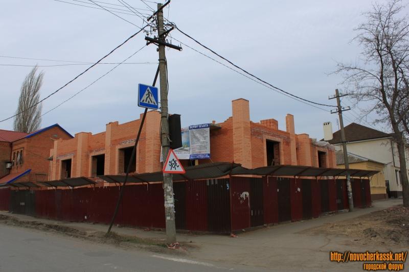 Строительство трехэтажного дома, ул. Энгельса, 18 / пер. Галины Петровой, 19