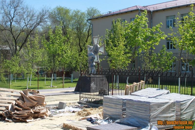 Установка памятника казаку на проспекте Баклановском