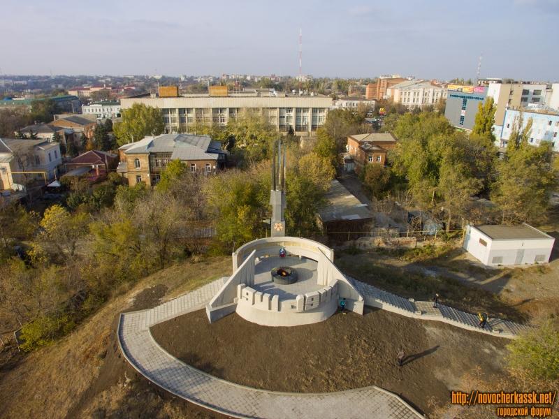 Вечный огонь («Курган Славы») в Александровском парке