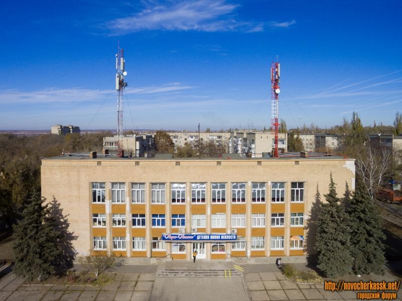 Школа искусств на поселке Октябрьском