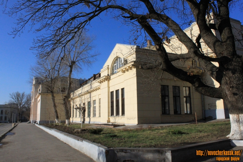 Здание энергофака  ЮРГПУ (НПИ)
