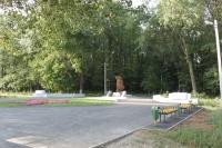 Сквер перед памятником воинам-интернационалистам