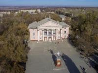 Площадь перед ДК Октябрьского