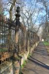 Ограда дома для преподавателей. Улица Богдана Хмельницкого