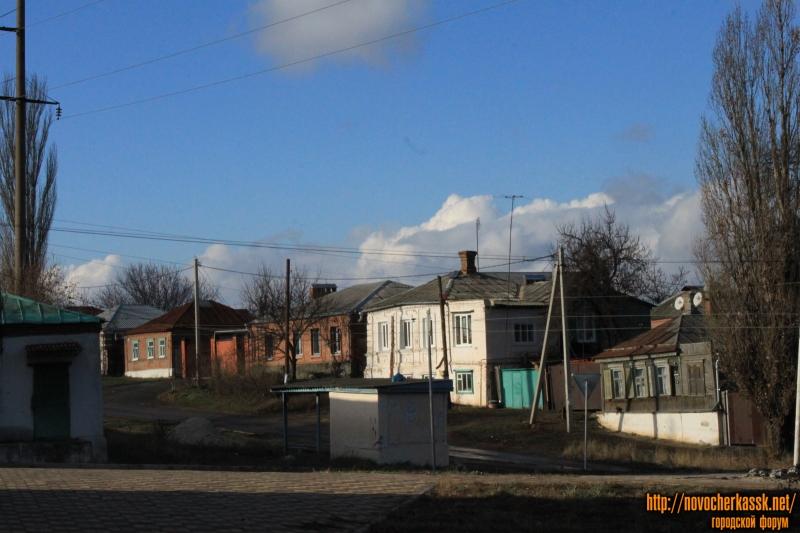 Улица Добролюбова. Вид со спуска Герцена