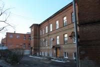 Дом учителя (вид со двора). Проспект Ермака, 103
