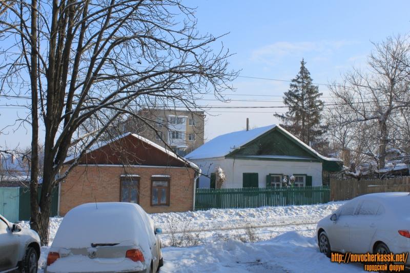 Улица Крылова, 42