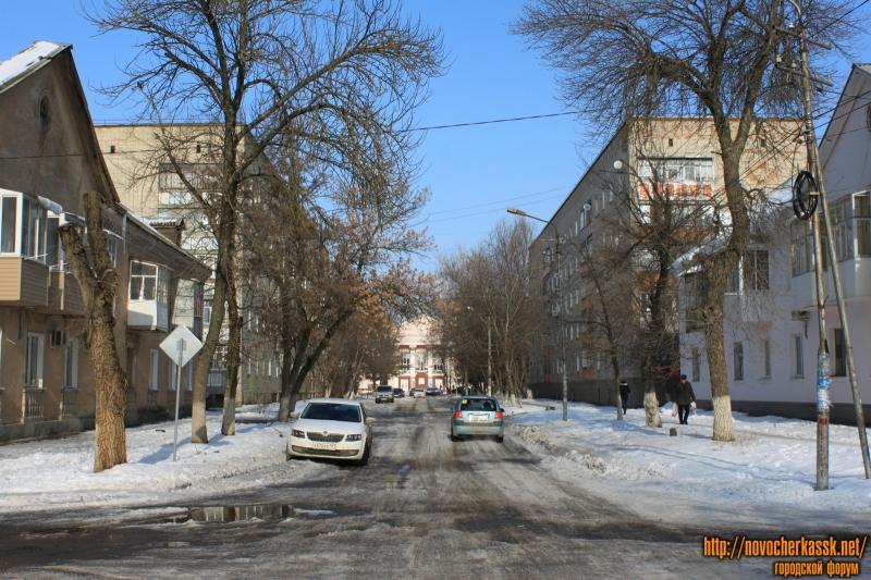 Улица Севастопольская. Вид с улицы Молодежной