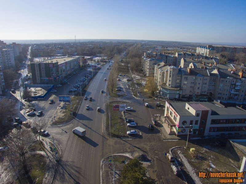 Проспект Баклановский в районе ресторана «Сармат» и ТЦ «Поиск»