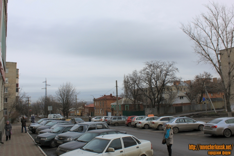 Улица Крылова. Пересечение с Народной